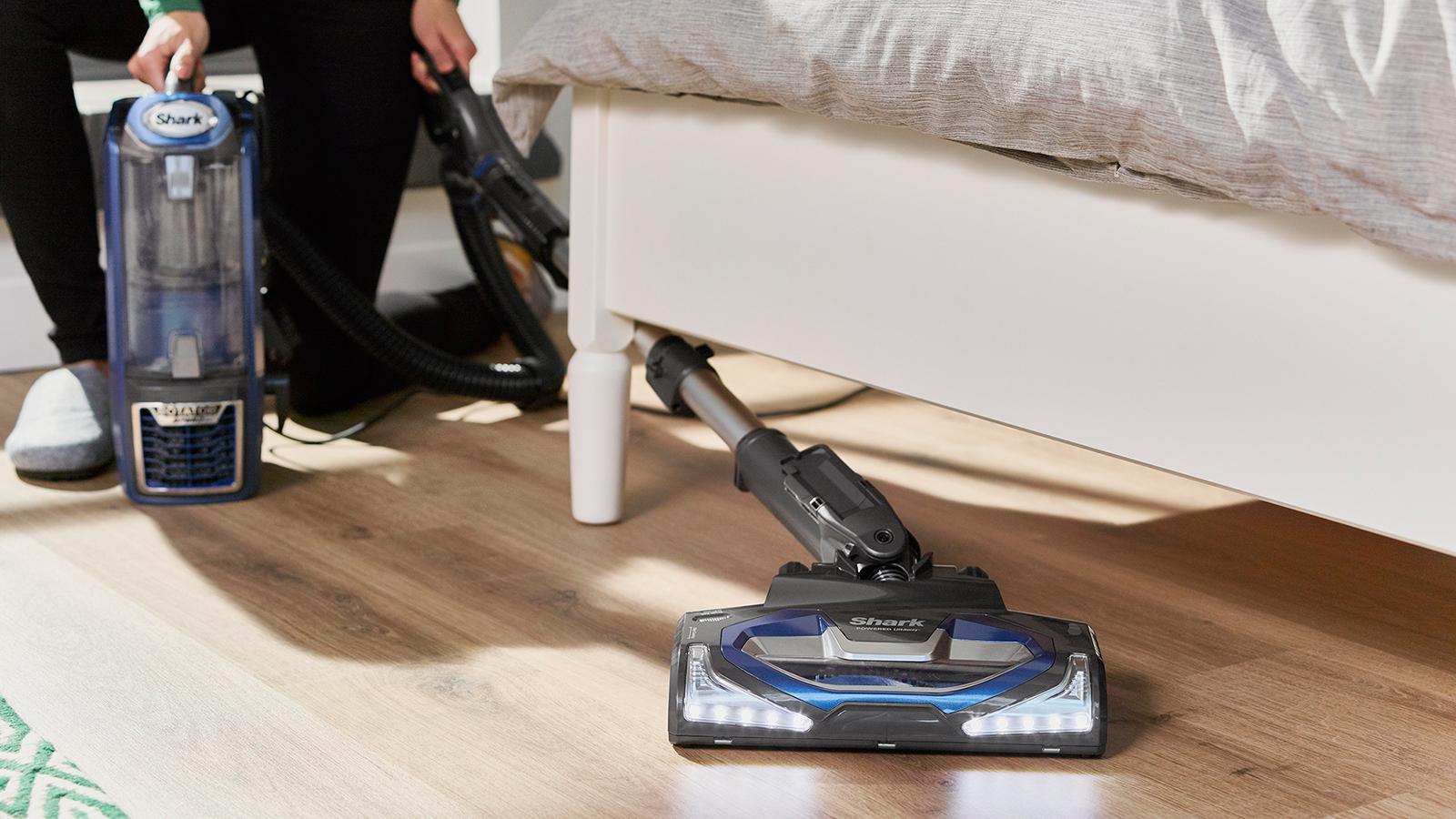 Shark Powered Lift Away Upright Vacuum Cleaner Nv681uk