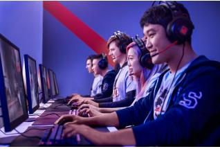 College Gaming Team using HP OMEN Desktop, Monitor, Headset, Keyboard, Mouse and Mousepad