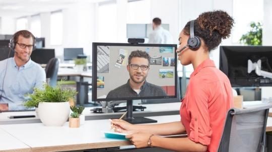 Logitech 991 000311 Logitech Personal Video Collaboration Kit Zone Wireless C925e Webcam Video Conferencing System Personal Video Conferencing System 1 Person S