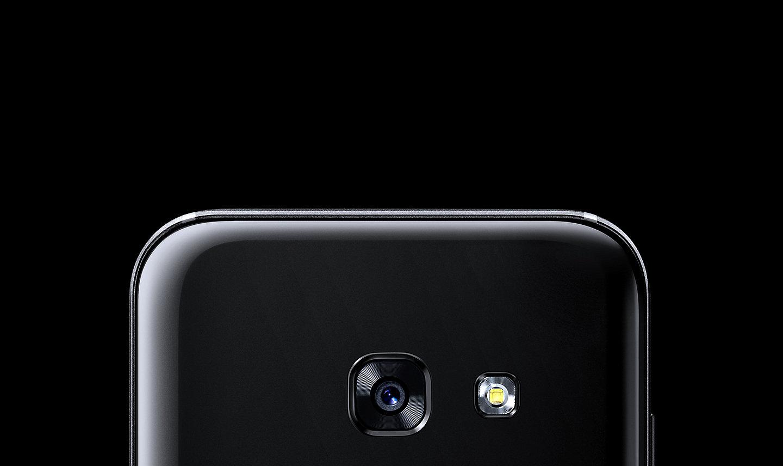Abadikan Momen Berharga Dalam Hidup Anda Dengan Kamera Depan 13 MP Di Galaxy A3 2017