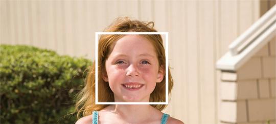Фокусировка по лицу и Smile Shutter